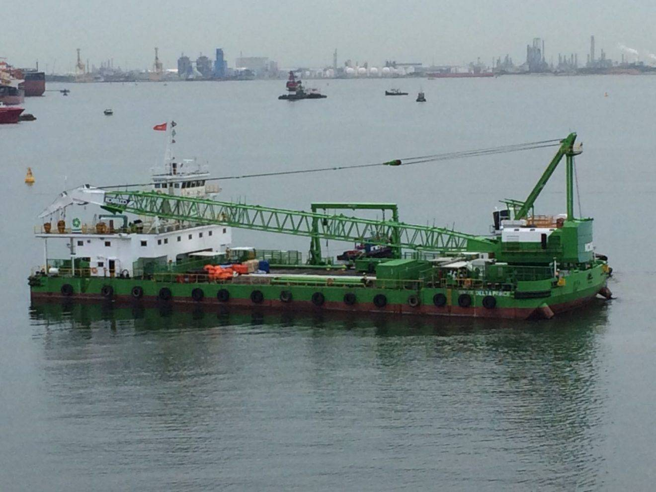 Dredging International Asia Pacific Relies on Clear-Com for Wireless Communication